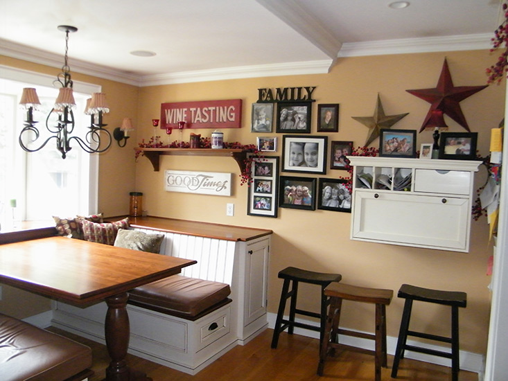 Kitchen nooks and eating areas
